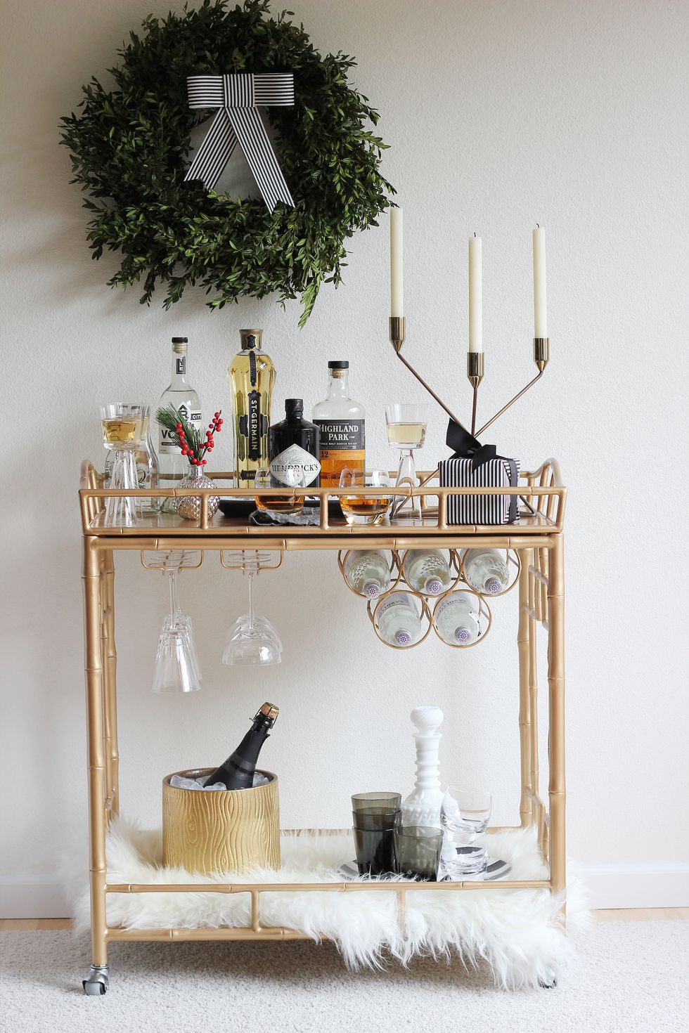 holiday-decorating-ideas-bar-cart.jpg