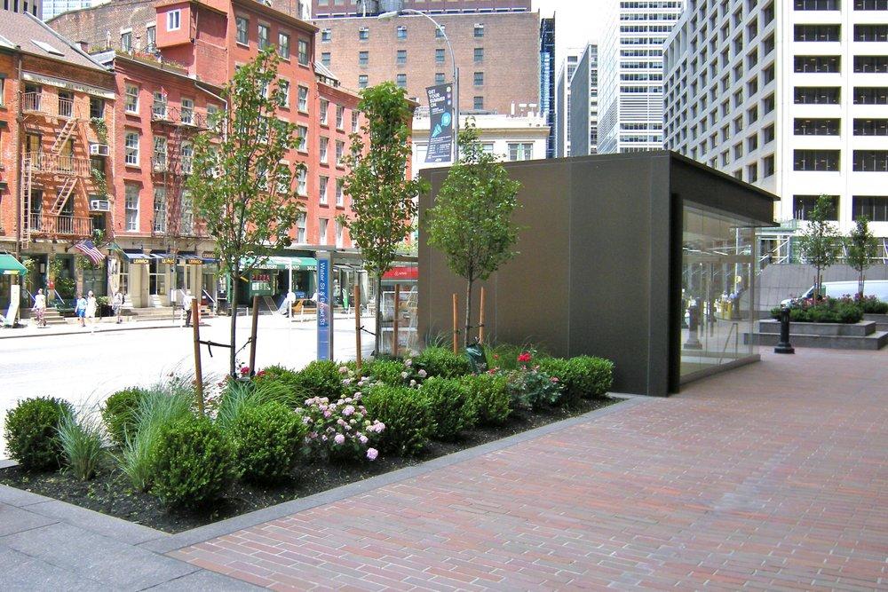 4 ny plaza 01.jpg
