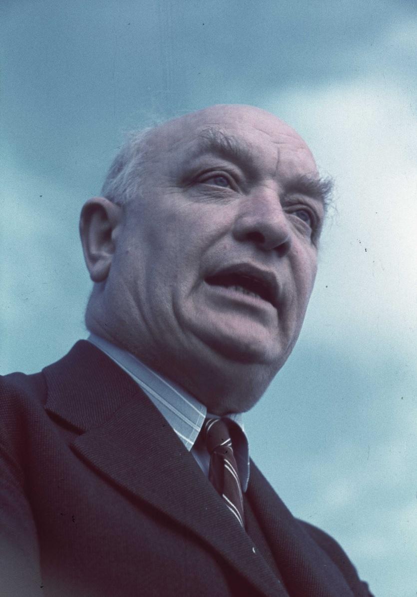 Per Albin Hansson, tidig socialdemokratisk statsminister och landsfader. Bär en stor del av ansvaret för Sveriges utveckling i modern tid:Gunnar Lundh / Nordiska museet - http://digitaltmuseum.se/011013848224