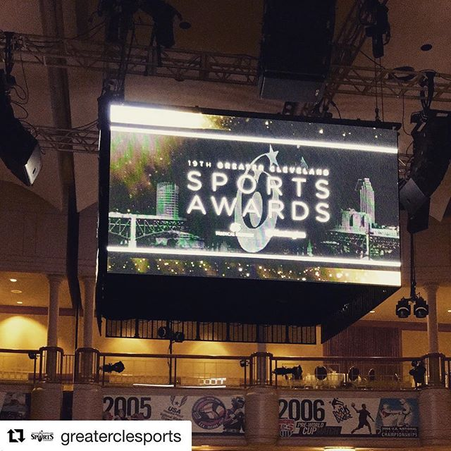 The #roguewinterclassic crew is getting up for the #CLESportsAwards! Can't wait to be surrounded by so many like-minded locals! #crossfit #fitness #partners #Repost @greaterclesports with @get_repost ・・・ We're all set-up and ready for tonight's 19th #CLESportsAwards at @rencleveland. 🏆 • • S/O to @npiaudiovisualsolutions for the amazing setup! Let's get ready to celebrate the best night in Cleveland Sports. Follow along with us live using #CLESportsAwards