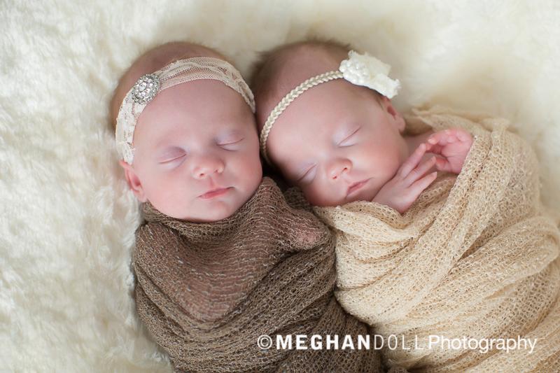 newborn preemie sisters