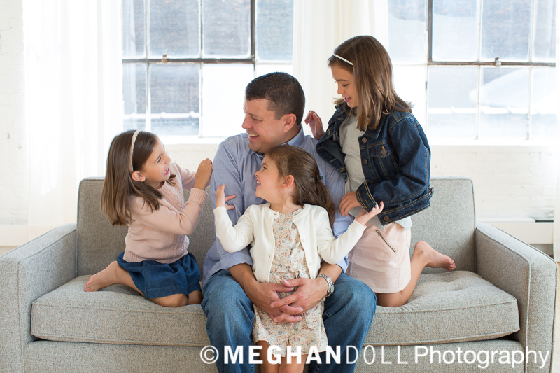 dad-with-three-daughters