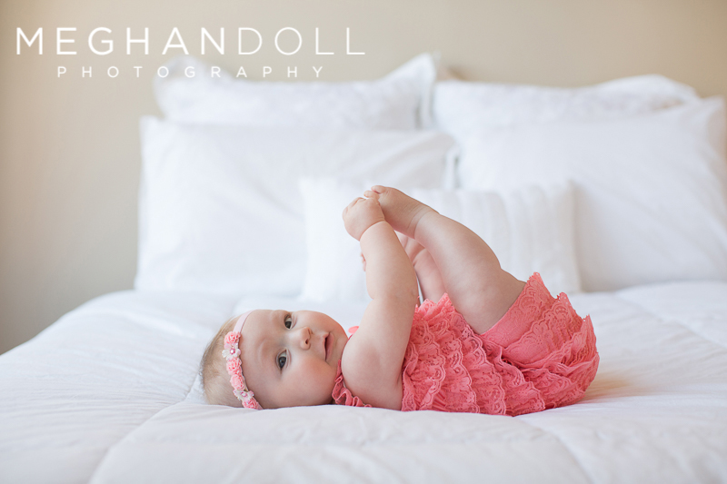 rolly-six-month-old-baby-girl-shows-how-she-can-hold-her-toes