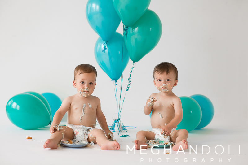 two-twin-one-year-old-boys-smear-frosting-all-over-themselves