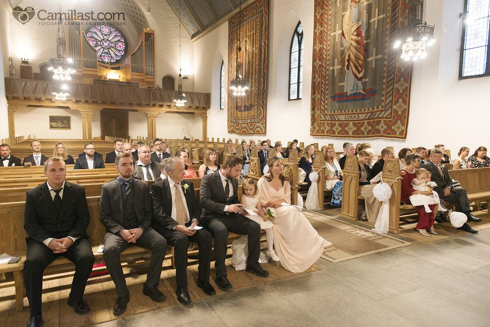 storetveit kirke bryllup