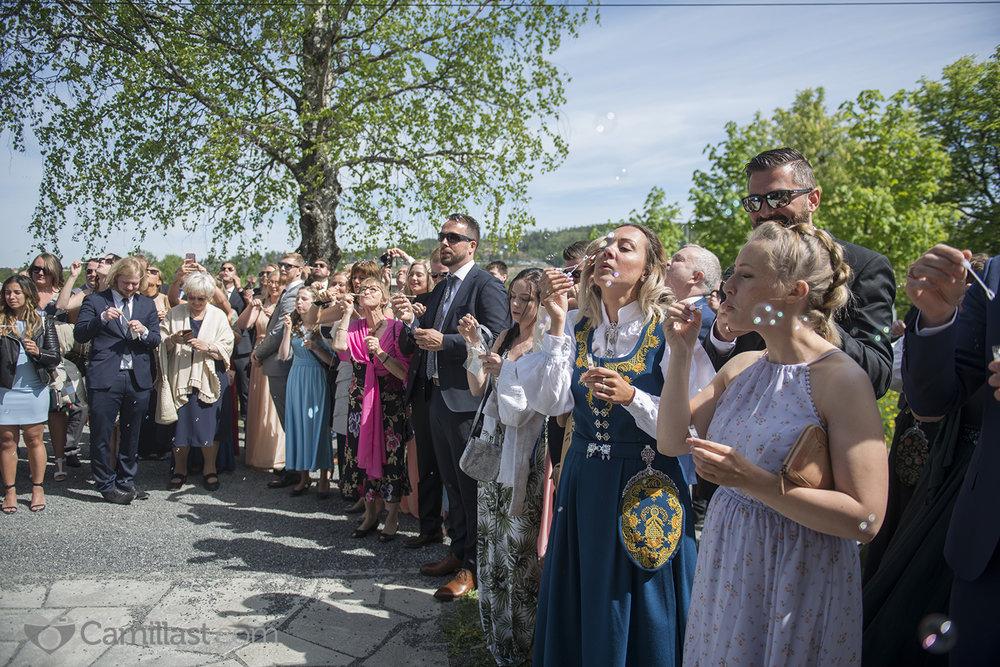 bryllup fetsund lenser fotograf camillast lillestrøm såpebobler