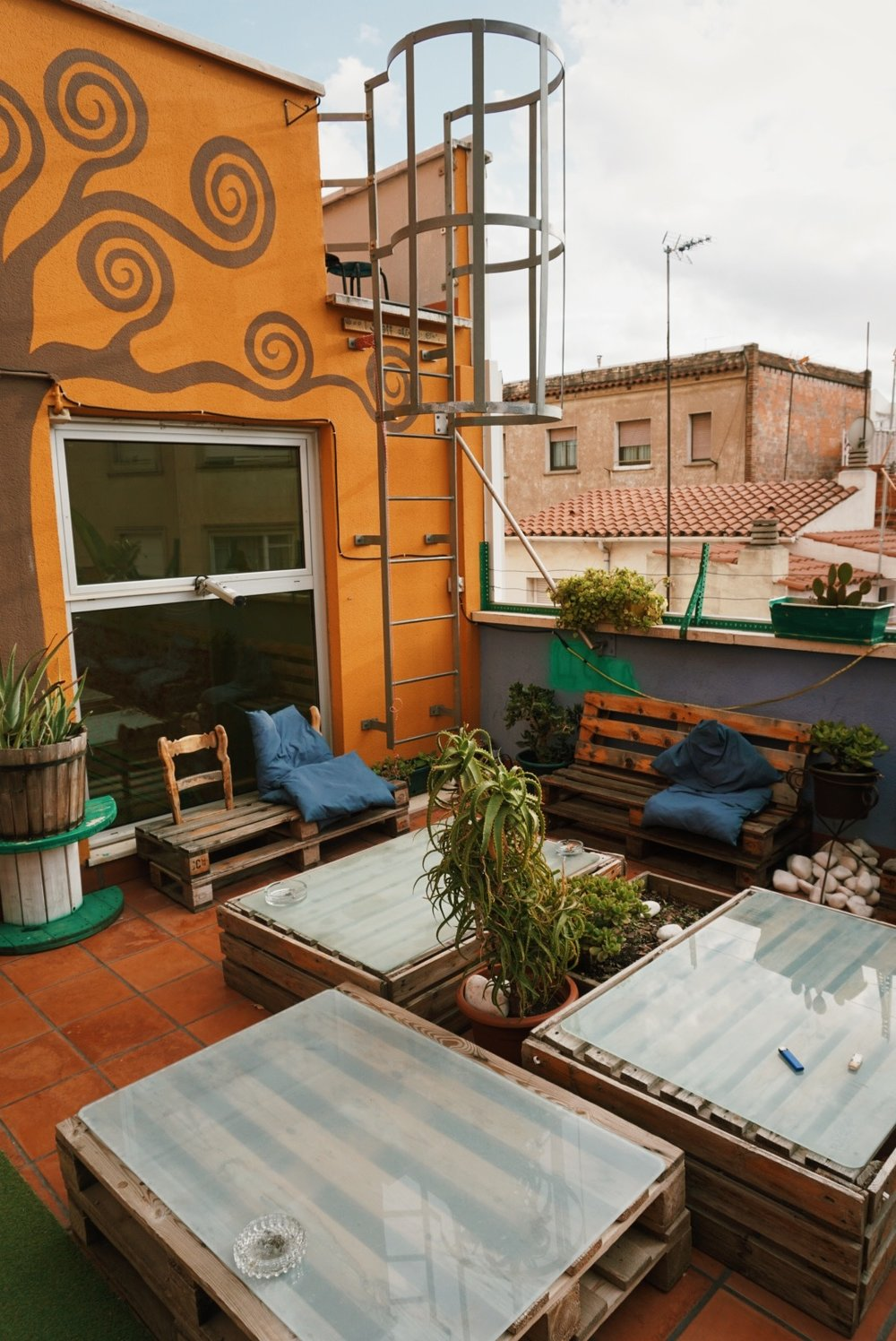 Blog Roamer Woman Average Cost Of Rewiring A Terraced House Hostel One Terrace Tree