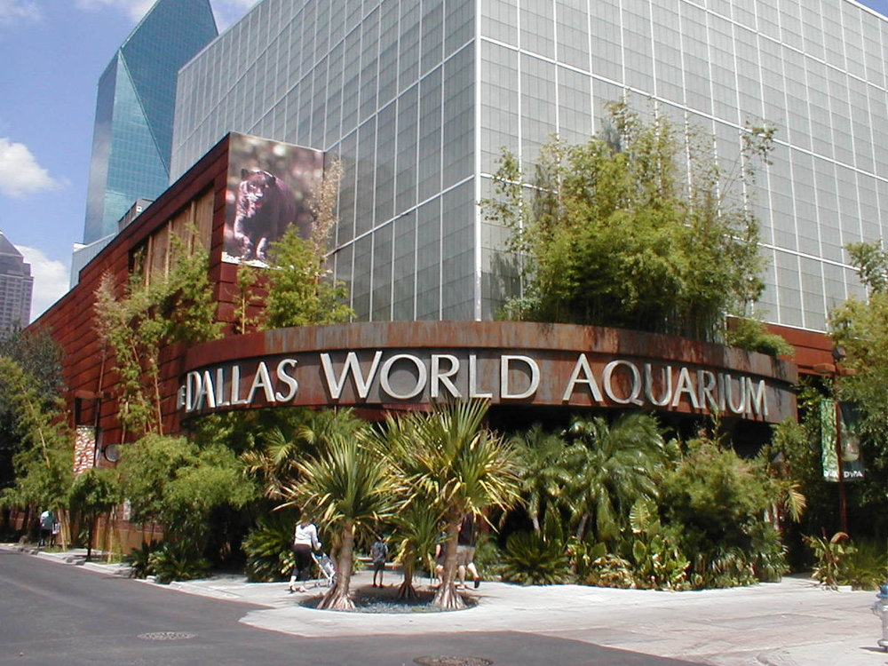 1200px-Dallas_World_Aquarium_Entrance.JPG