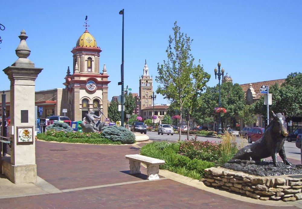 Country_Club_Plaza_1_Kansas_City_MO.jpg