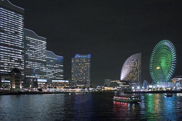 Yokohama mon amour... Yokohama, 2010. #横浜 #みなとみらい #みなとみらい21 #cosmoclock #cosmoclock21 #ferriswheel #観覧車 #コソモクロック #cosmoworld #yokohama #minatomirai #minatomirai21 #skyscrapers #cityscape #skyline #photography #nightphotography #japan #日本