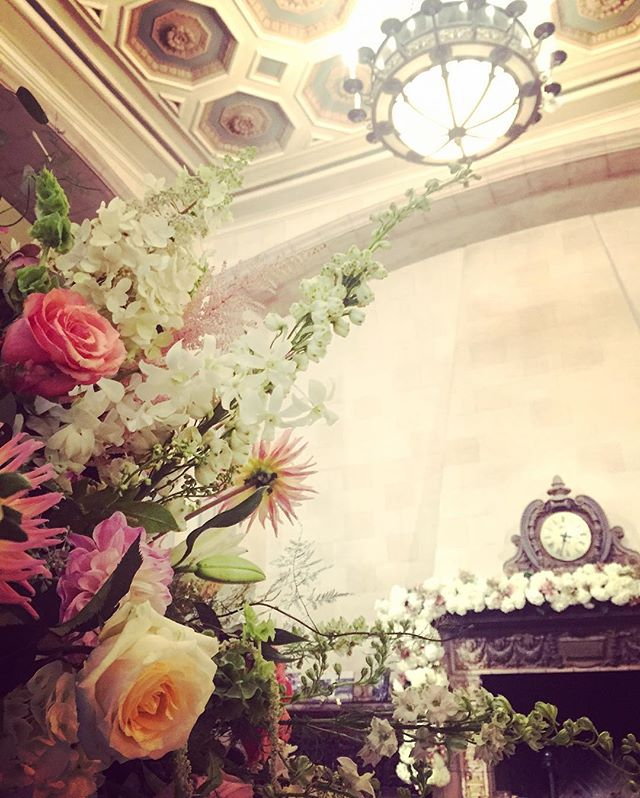 Cheers to a fabulous weekend. Congratulations to the newlyweds! 🍾  #greatwedding #greatpeople #amazingflowers #hotel340