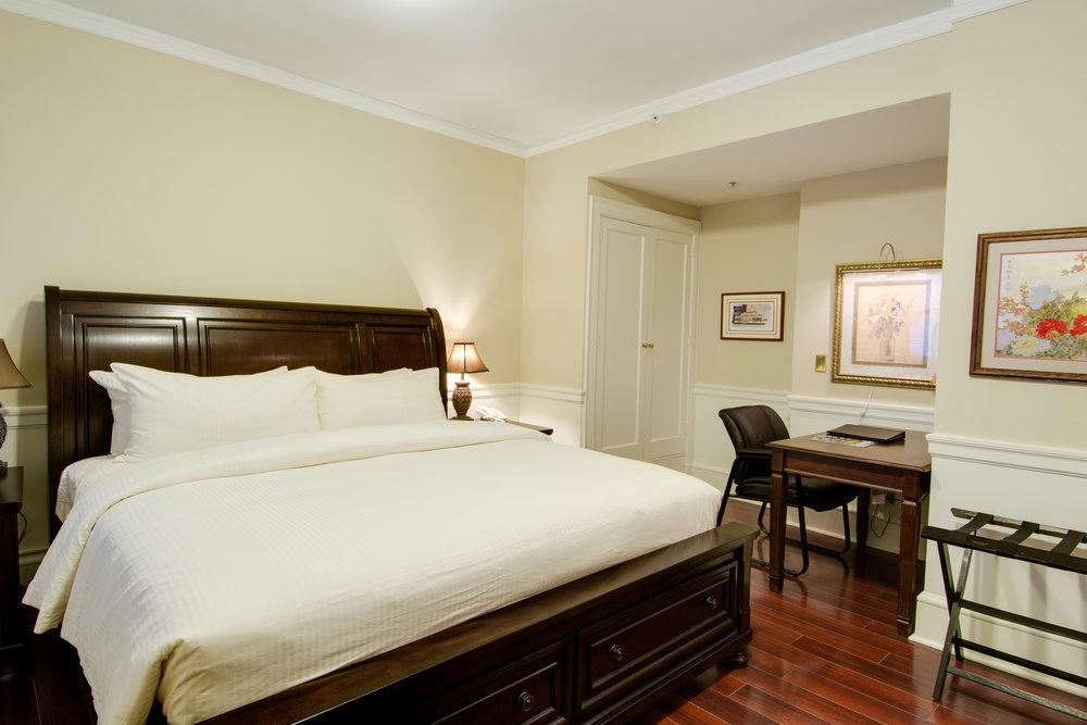 1207 Bedroom2 '14.jpg