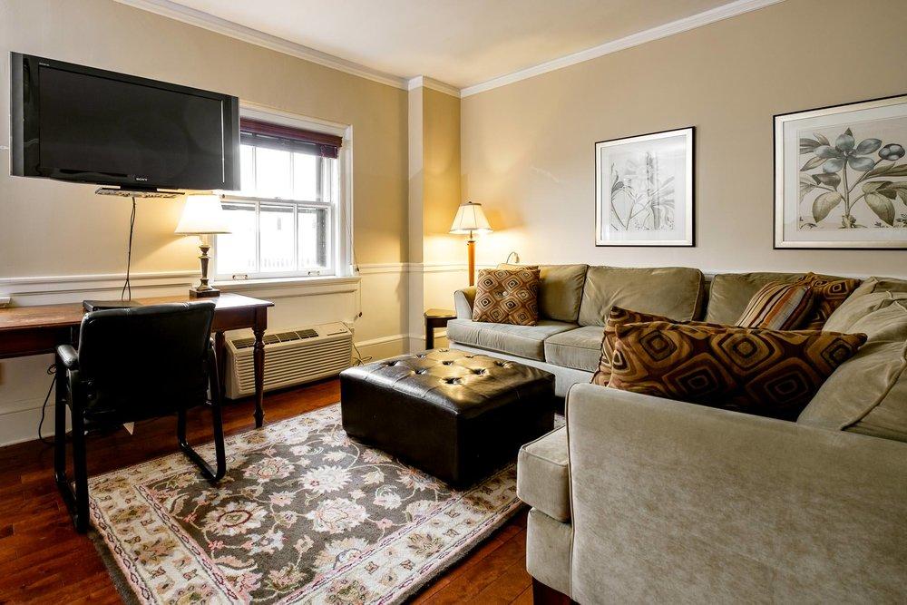 1107 Living Room.jpg