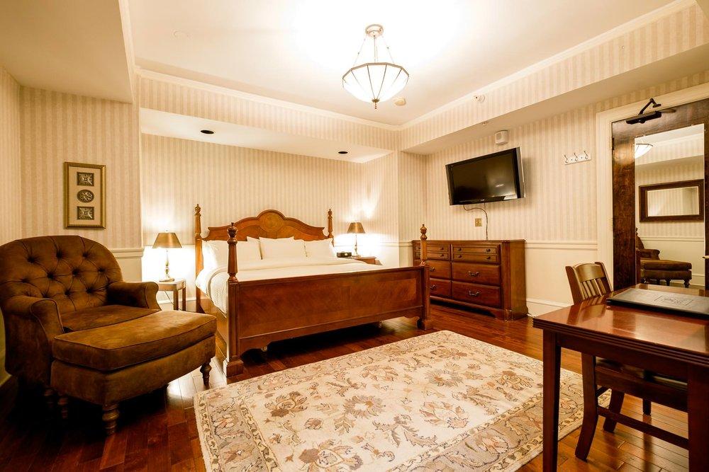 1119 Bedroom.jpg