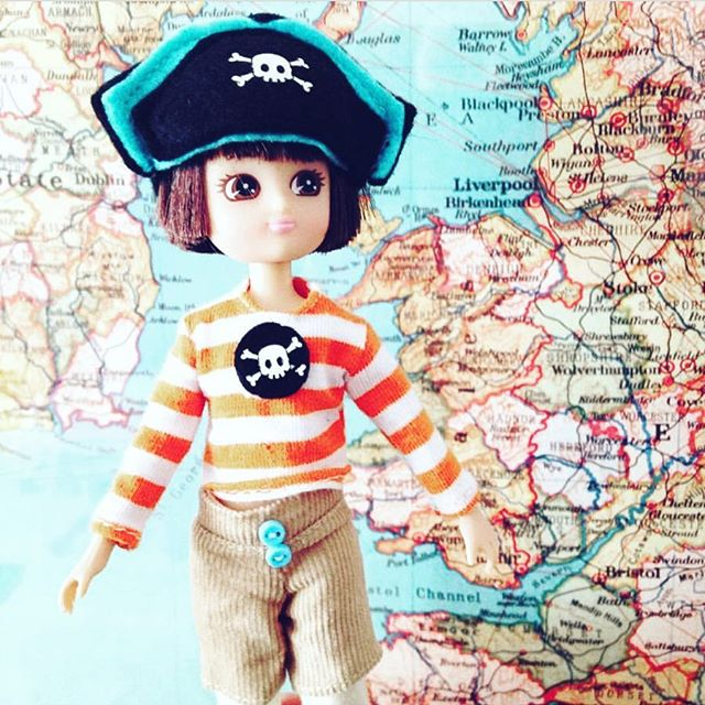 💙 these Lottie dolls from London!!🇬🇧 Unique dolls with big personalities! 👱🏼‍♀️👧🏽👩🏻⚓️#girlsrule #girlpower #creative  #whatchamacallits #toys #toy #dolls #kids #play #imagine #create #friend #love #baby #life #live #instagood #instalove 📸 @lottie_dolls ❤️