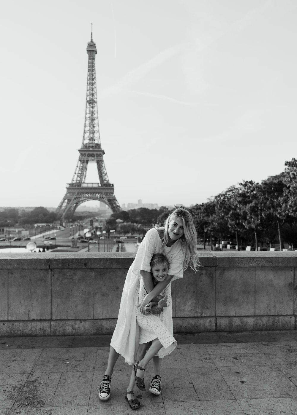 family photo shoot in paris