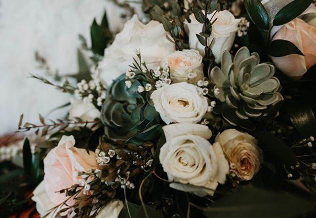 $300 off any wedding package!! Book now!! #wedding #weddingday #weddingdress #bridesmaiddress #brideandgroom #utahweddingphotographer #weddingphotography #weddinginspiration