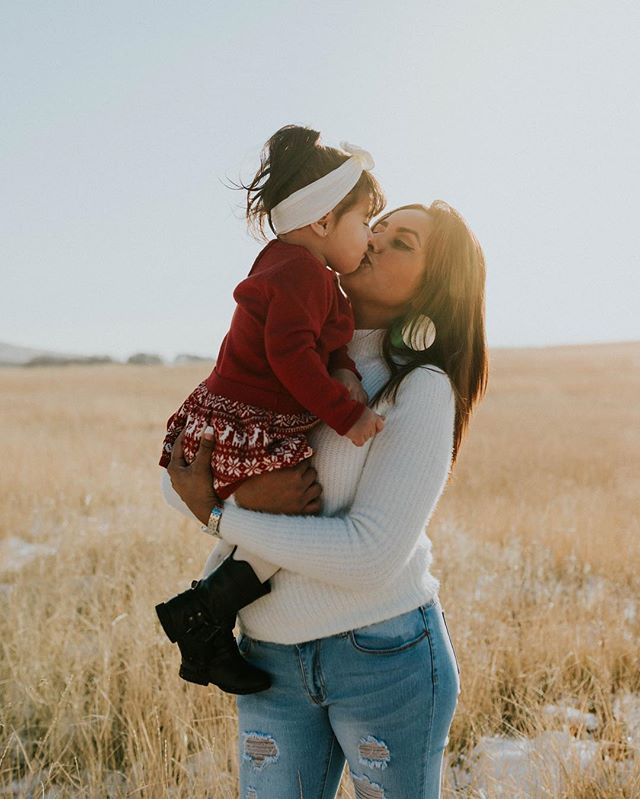 I'm so excited for sweaters and rosy cheeks!! 😜🤗#slcphotographer #photographylover #photography #utahphotographer #utahfamilyphotographer #family
