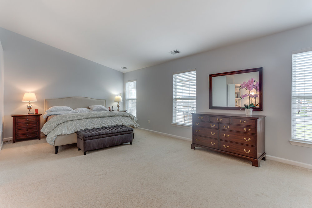 344 Baish Dr SE Leesburg VA-print-022-16-Master Bedroom-4200x2800-300dpi.jpg