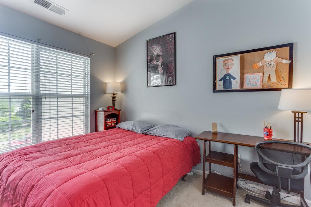 344 Baish Dr SE Leesburg VA-print-029-42-Bedroom 2-4200x2800-300dpi.jpg