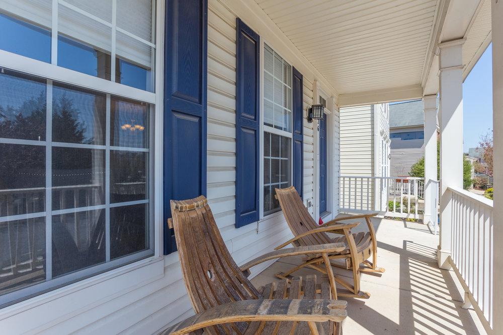 326 Baish Dr SE Leesburg VA-front-porch