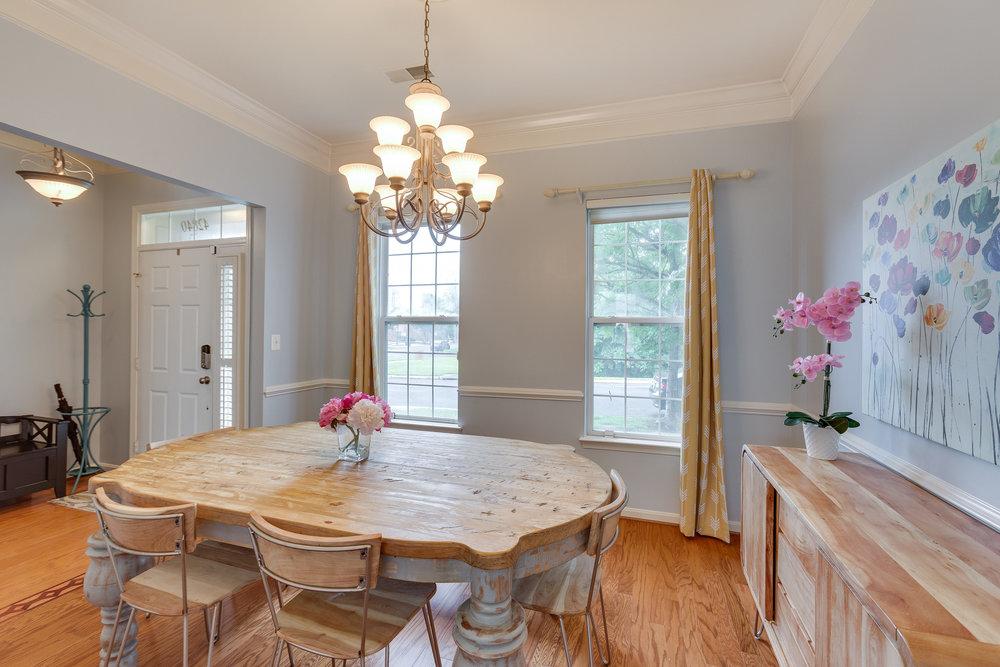 42840 Cedar Hedge St Chantilly-print-006-33-Dining Room-4200x2800-300dpi.jpg
