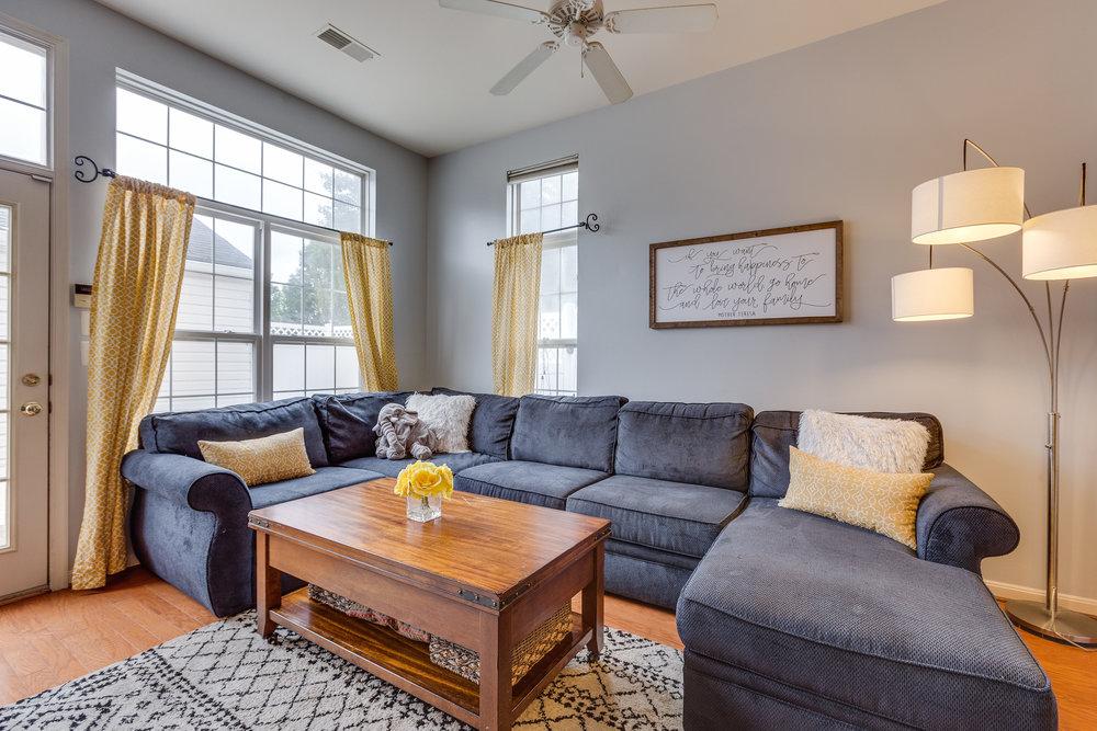 42840 Cedar Hedge St Chantilly-print-015-39-Living Room-4200x2800-300dpi.jpg