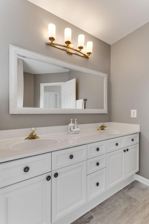 21514 Plymouth Pl Ashburn VA-print-067-23-Bathroom-2800x4200-300dpi.jpg