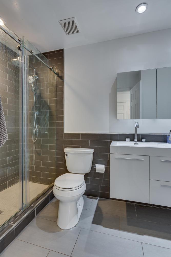 2967 Franklin Oaks Dr Herndon-large-046-8-Bathroom-667x1000-72dpi.jpg