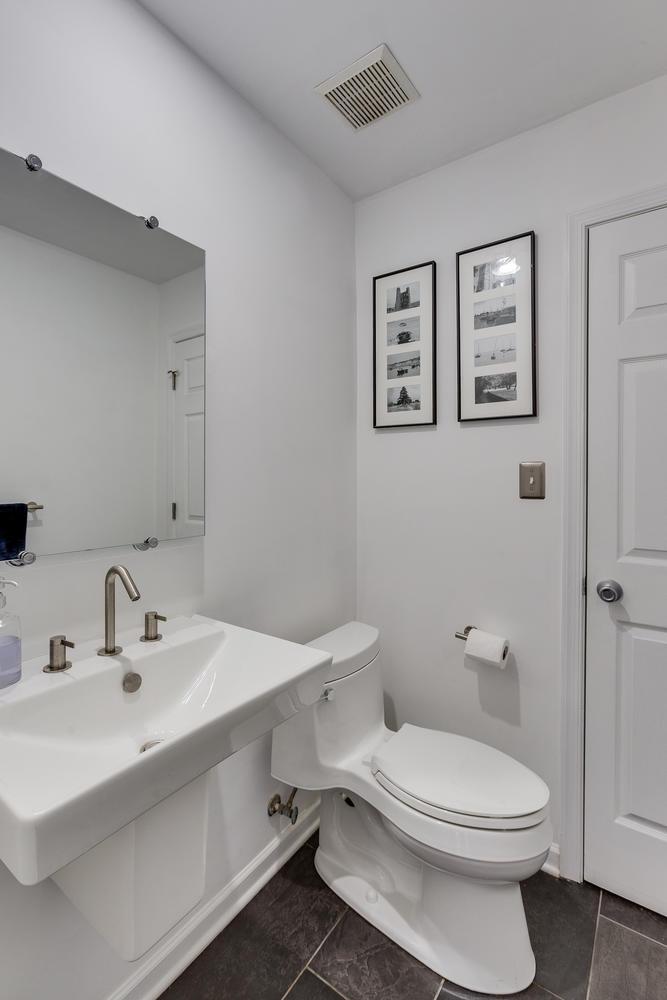 2967 Franklin Oaks Dr Herndon-large-034-1-Powder Room-667x1000-72dpi.jpg
