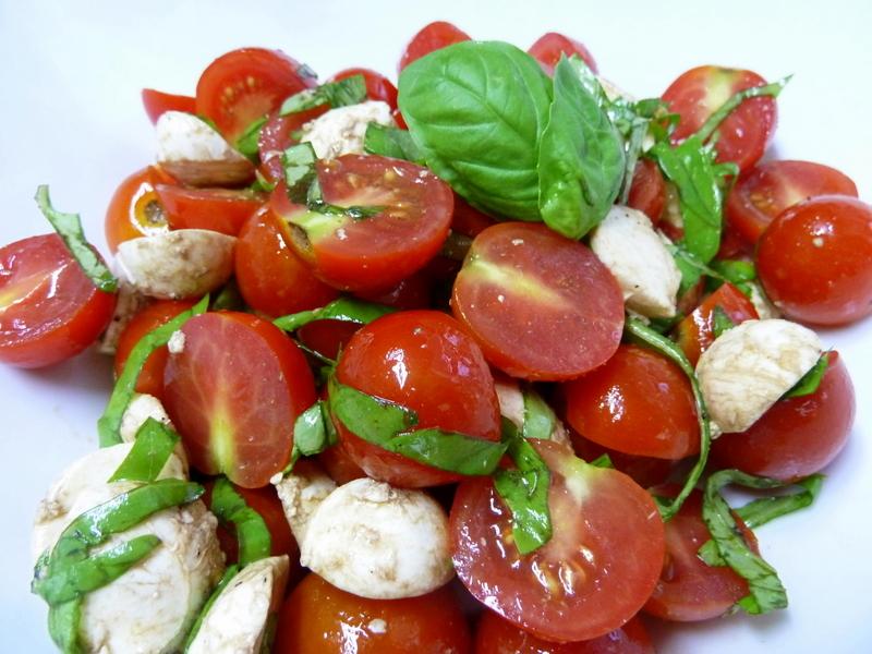Baby Caprese Bocconcini Salad -3.JPG