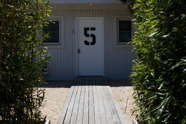 SUITE-DOOR-375x250