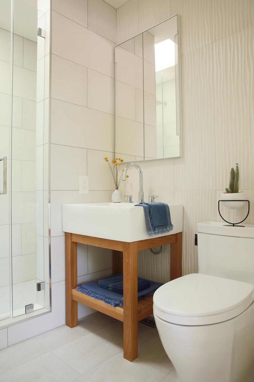Pictured here, Stonewash Bath Sheet, Bath Mat, Hand Towel and Wash Cloth in Indigo. Shop  here .