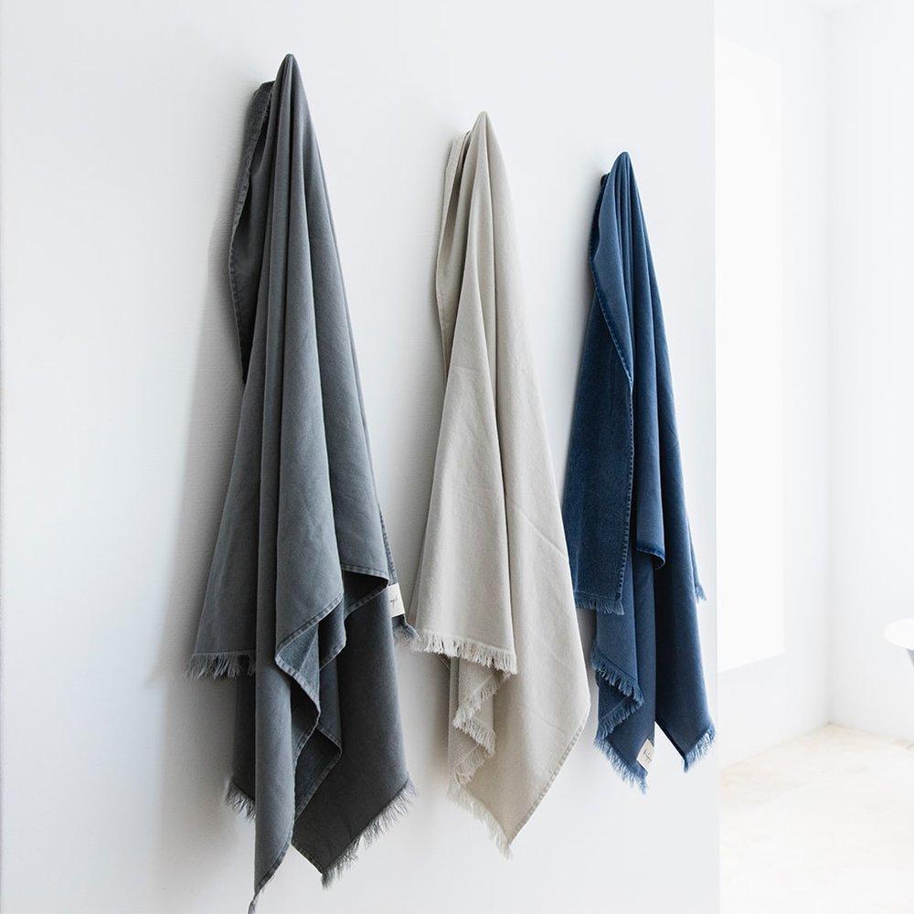 bath-sheet_indigo_2-min.jpg