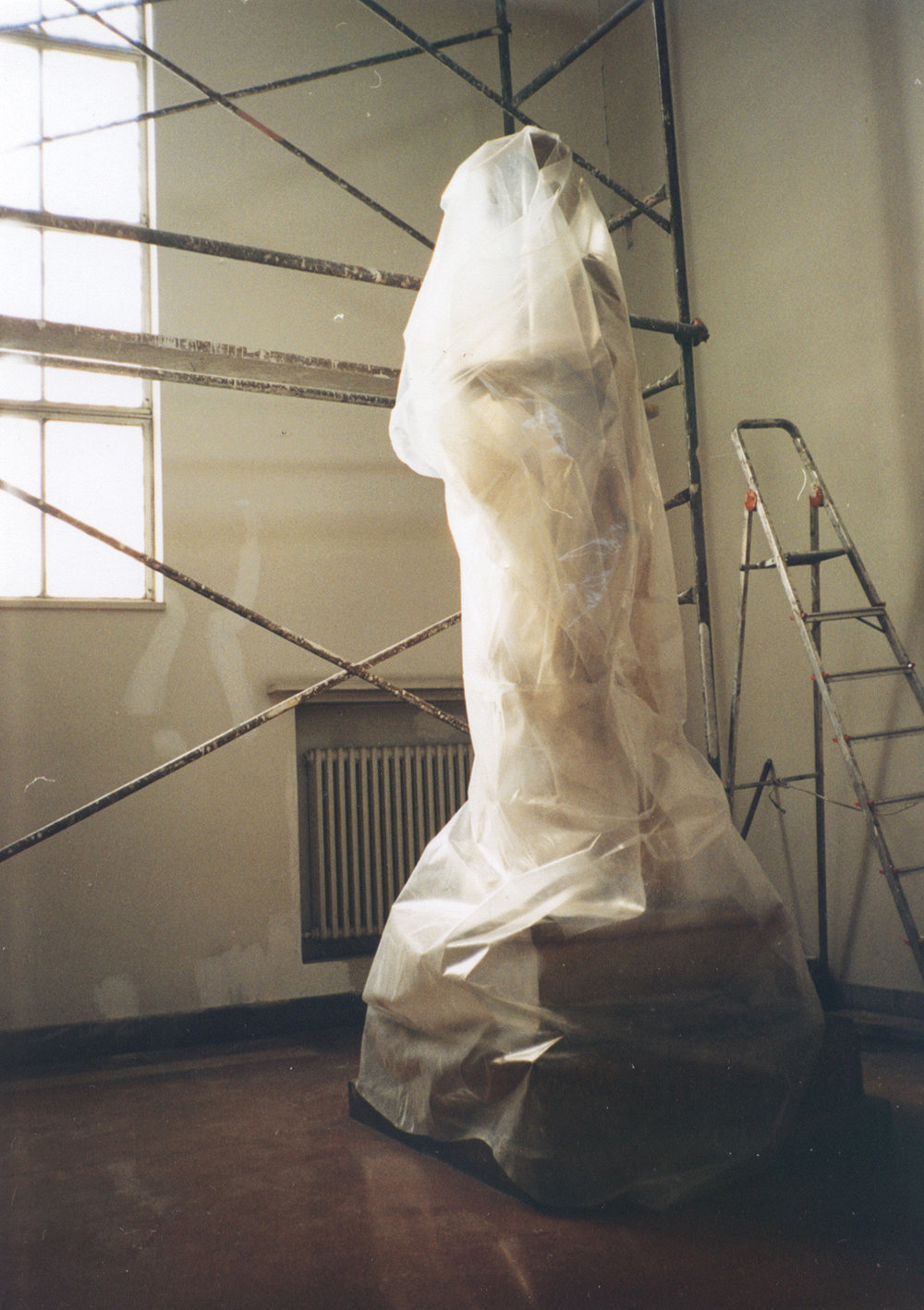 Wrapped , photography/ temporary objects, 1998, photo of the wrapped artist: Vladan Dugarić
