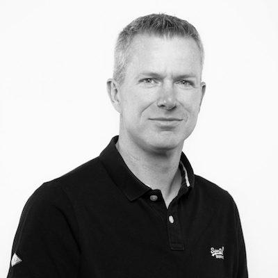 Alex Thissen - Alex er Cloud Architect i Xpirit og har involvert i applikasjonsutvikling siden slutten av nittitallet og jobbet som lead developer og arkitekt i store organisasjoner og små startups. Han har mottatt Microsoft MVP i Visual Studio og Development Technologies 11 ganger.