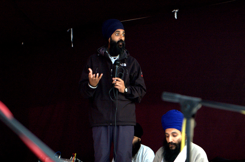 Speaking with the fiery passion that Bhai Sahib was known for! BOSS Sikhi Camp in 2006