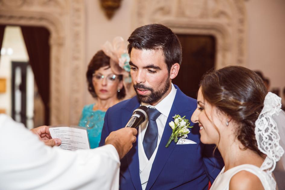 Votos matrimoniales de novio