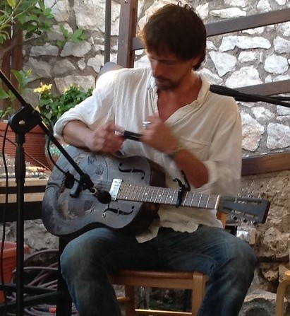 - Roberto Luti is one of the most famous blues slide guitarists in the underground movement.