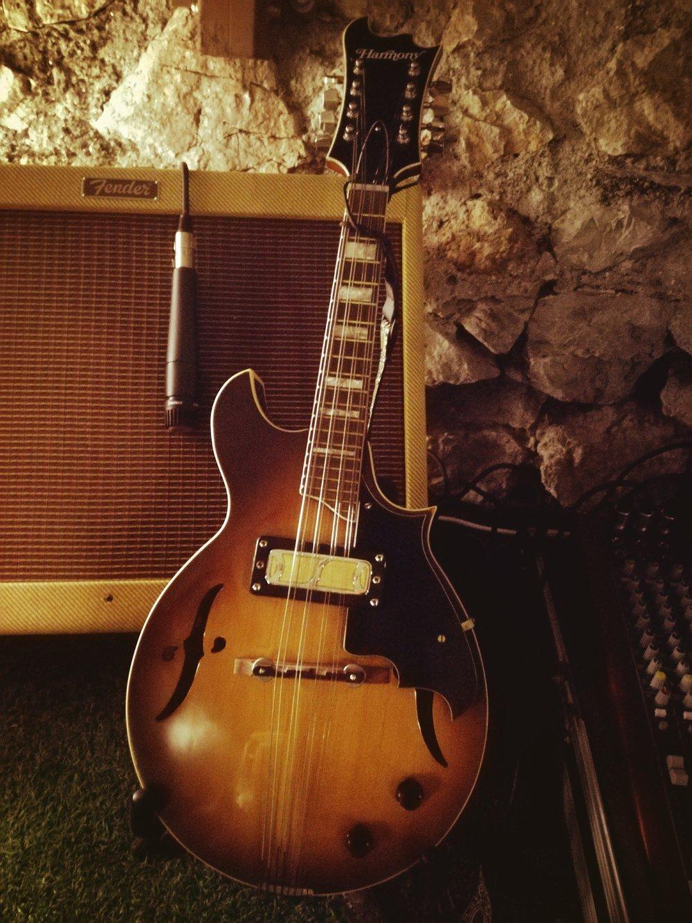 - Lino's Harmony H35 mandolin