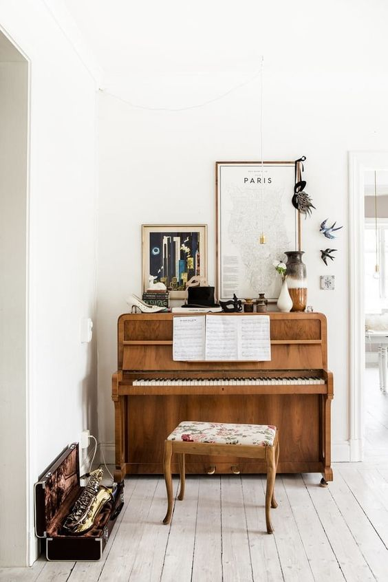 wooden-piano.jpg