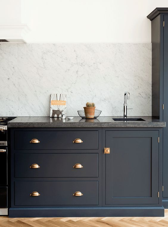 two-toned-kitchens-1.jpg