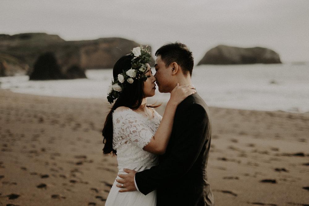 couple-engagement-marin-headlands_0032.jpg