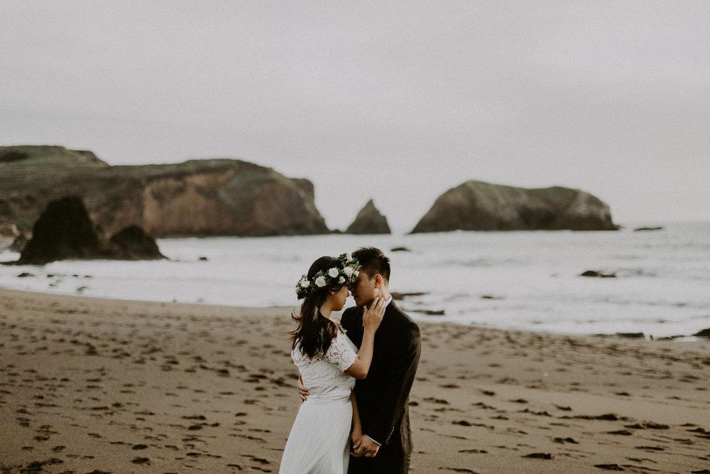 couple-engagement-marin-headlands_0040.jpg