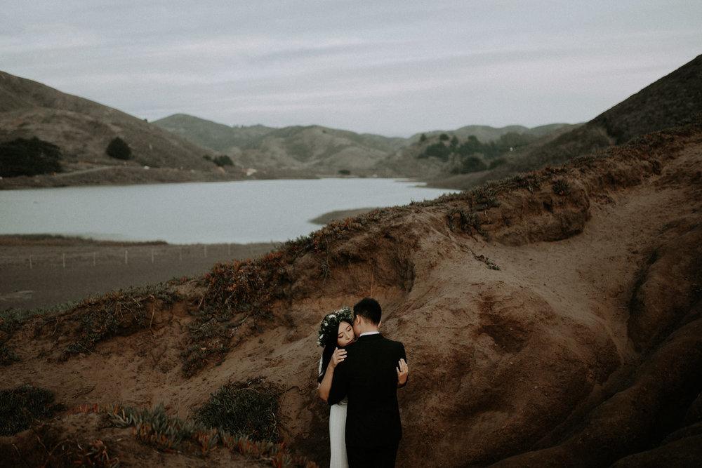 couple-engagement-marin-headlands_0075.jpg