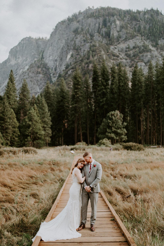 couple-elopement-yosemite-california_0060.jpg