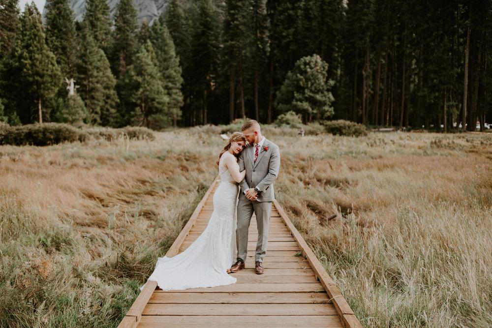 couple-elopement-yosemite-california_0059.jpg