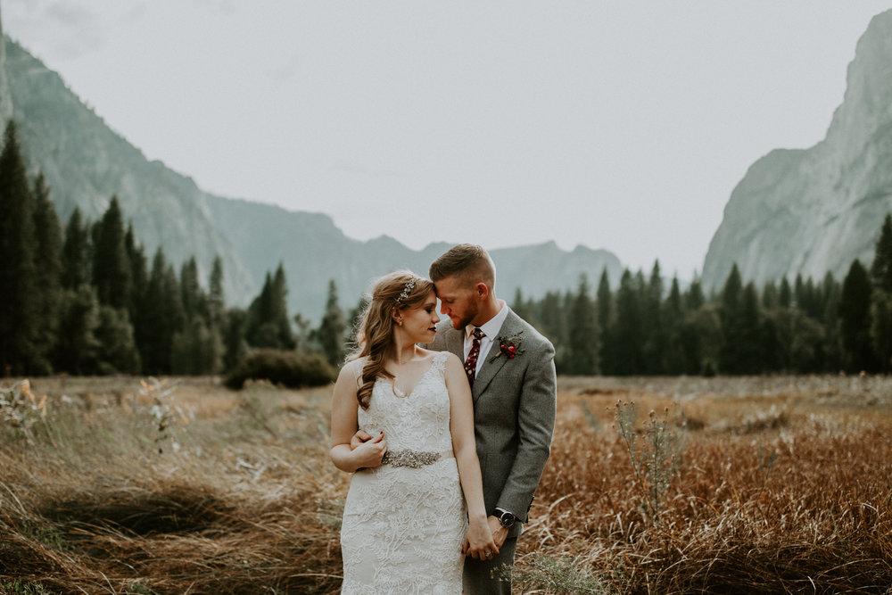 couple-elopement-yosemite-california_0068.jpg