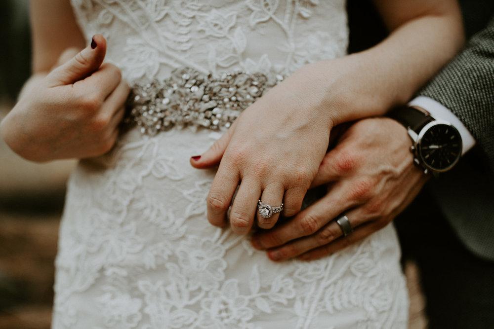 couple-elopement-yosemite-california_0070.jpg