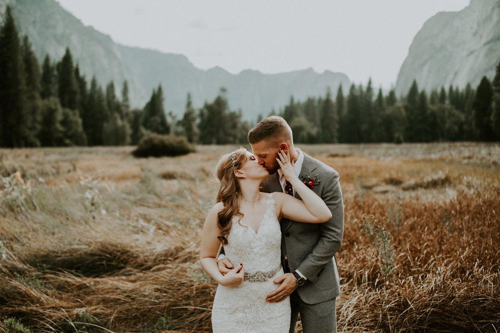 couple-elopement-yosemite-california_0069.jpg